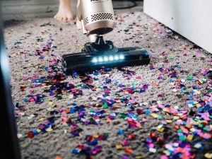 Should You Clean Your Carpets Prior To or After the Holidays?